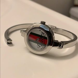 Beautiful Gucci watch part came off!